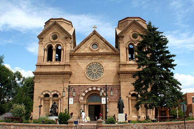 640px-Cathedral_of_St._Francis,_Santa_Fe,_New_Mexico