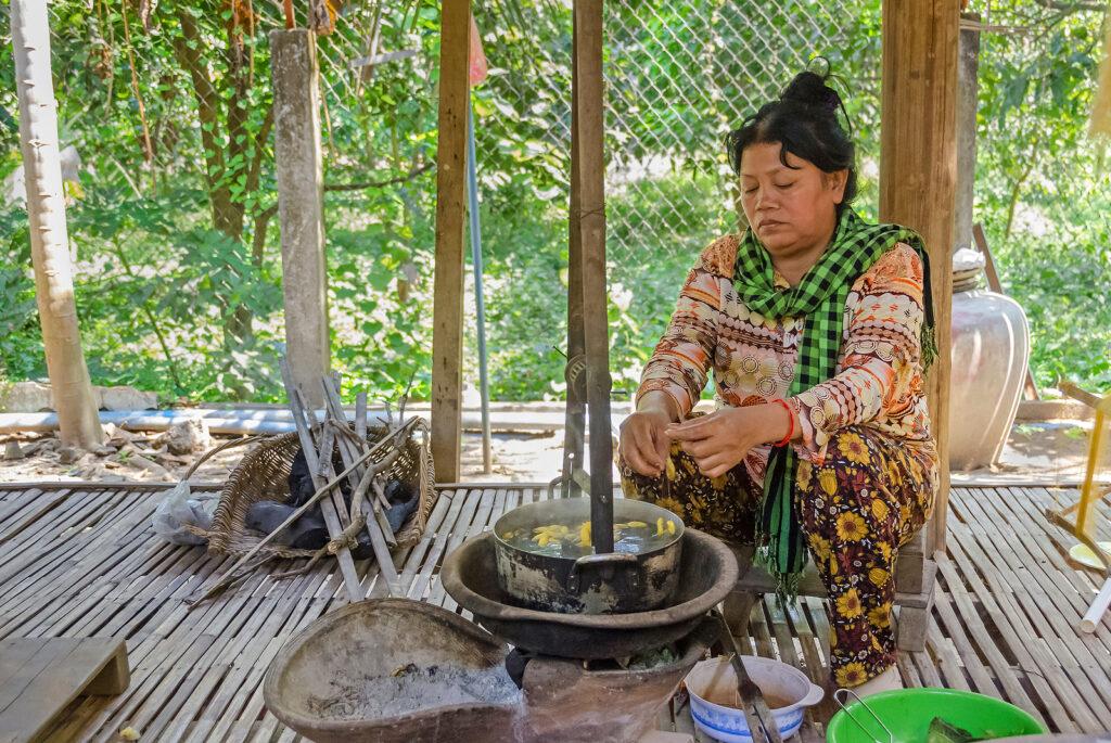 Chong Koh, Cambodia – April 9, 2018: Silk-weaver In A Small Remo