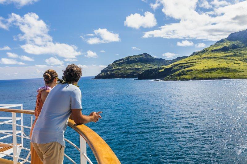 ncl_Hawaii_couple_deck_Maui_Lei_1