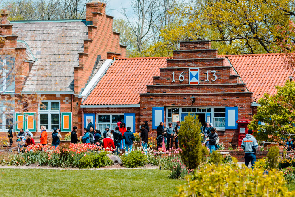 Holland Mi /usa – May 14th 2016: Tourist Shops On Windmill Islan