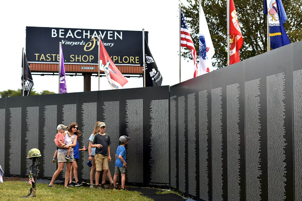 Clarksvilles-Welcome-Home-Celebration-Vietnam-Memorial-Traveling-Wall